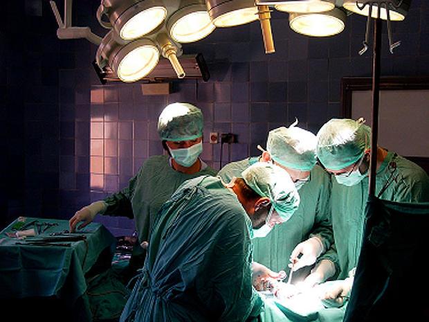 surgery_iStock_000002855580.jpg