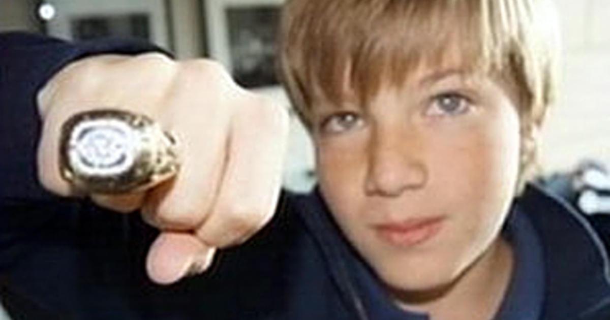 "Pa. boy returns Super Bowl ring to ""The Fridge"" - CBS News"