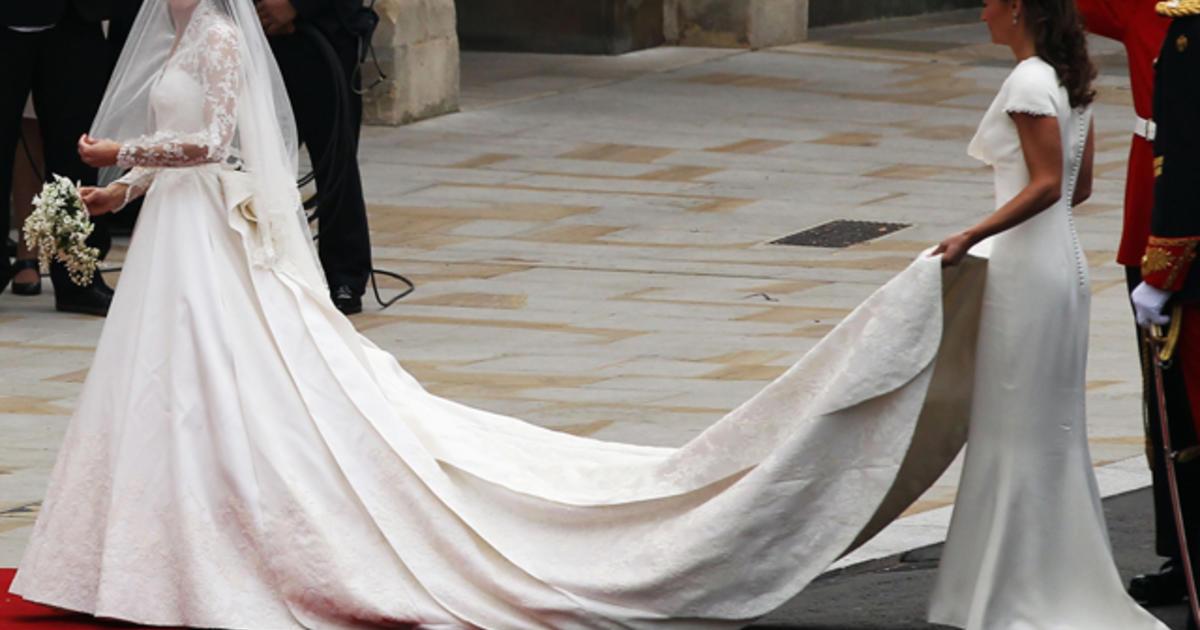 Kate Middleton\'s wedding dress by Sarah Burton for Alexander McQueen ...