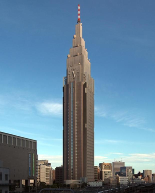 NTT_Docomo_Yoyogi_Building_Wikimedia_user_Wiiii.jpg