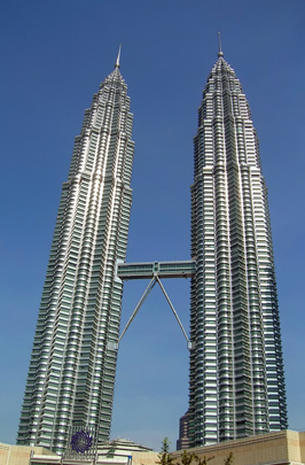 Petronas Twin Towers Worlds Tallest Buildings Monuments And