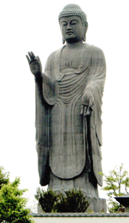 Ushiku_Daibutsu_Wikimedia.jpg