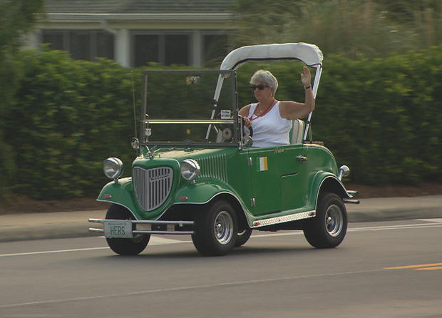extreme golf carts photo 1 pictures cbs news. Black Bedroom Furniture Sets. Home Design Ideas