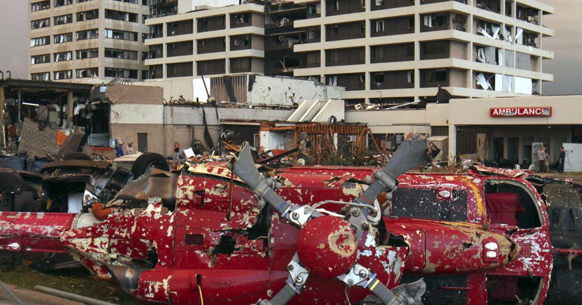 Chaos, bravery in storm-struck Joplin hospital - CBS News