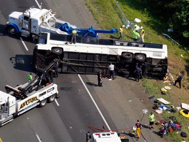 bus_crash_highway_013.jpg