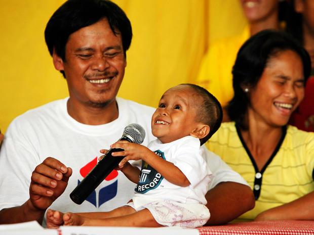 Meet world's shortest man, Junrey Balawing