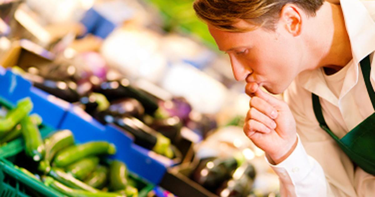 Pesticide alert: 12 most contaminated fruits and veggies - Photo 1