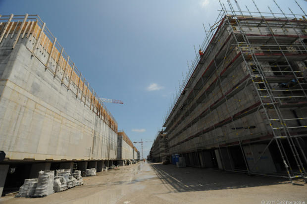 2nd_site_long_rows_of_building_caissons.jpg