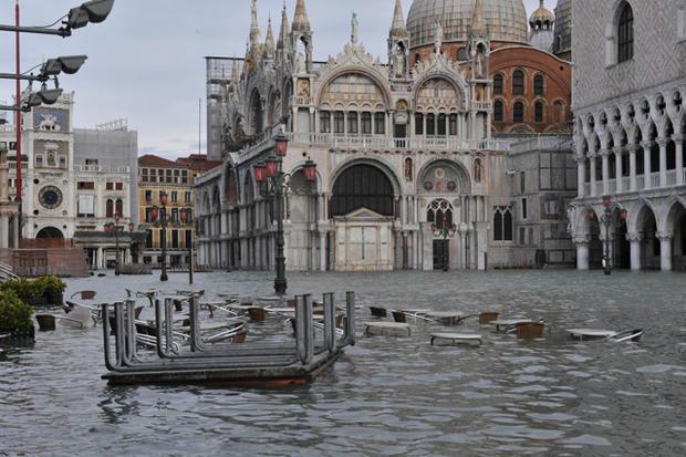 Flood_Piazza_San_Marco.jpg