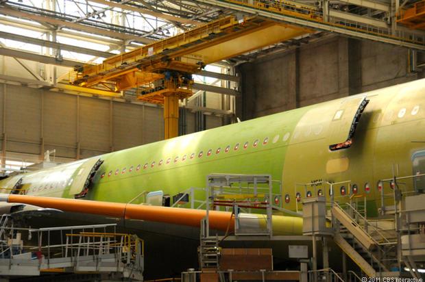 Side_of_plane_at_station_30.jpg