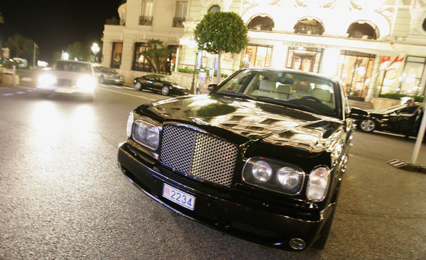 What a $1M luxury car crash looks like
