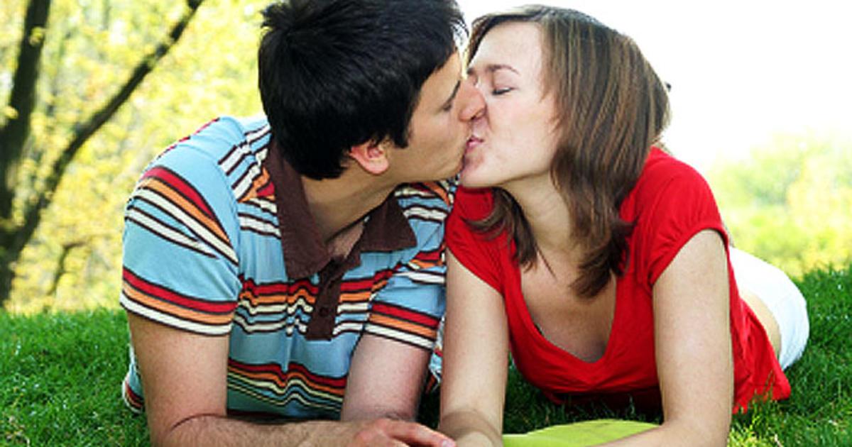 Teens First Kiss