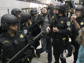 BART cellphone cutoff won't lead to ACLU suit