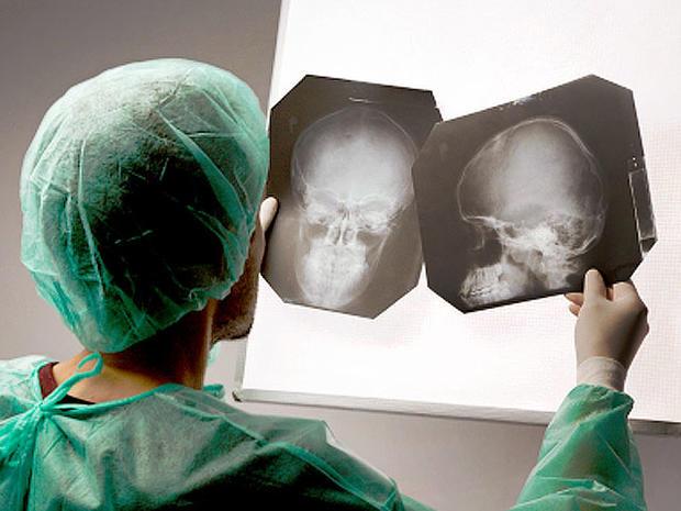 brainsurgeon_iStock_0000042.jpg