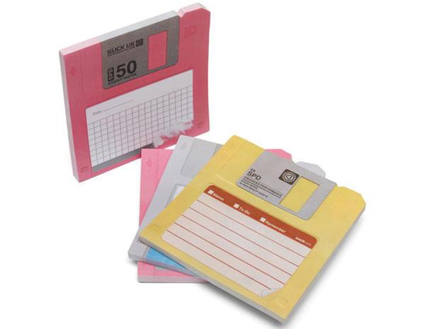 11-Floppy-Disk-Sticky-Notes.jpg