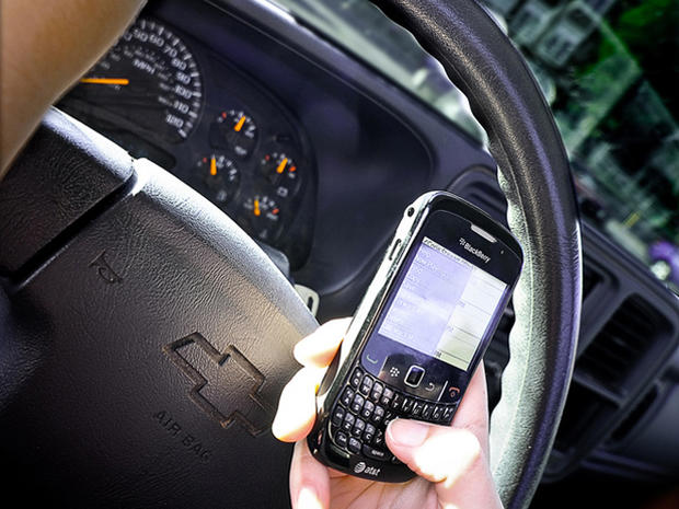 FWP-TextingDriving-Flickr-ShuttrKingKT-2.jpg