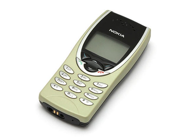 1999-Nokia_8210.jpg
