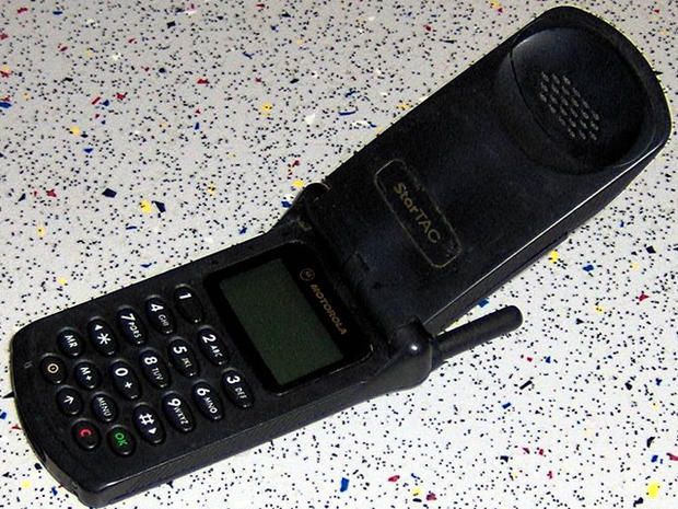 1996-Motorola_StarTAC.jpg