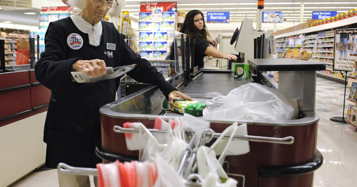 Some Supermarkets Bagging Self Checkout Cbs News