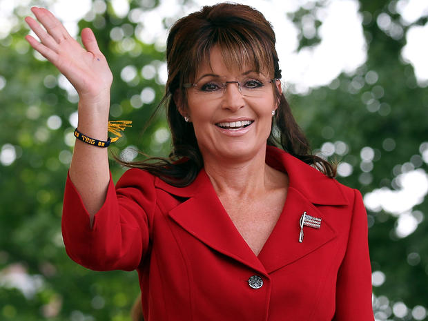 """Sarah Palin threatens to sue over book; says she was defamed by """"The Rogue"""""""