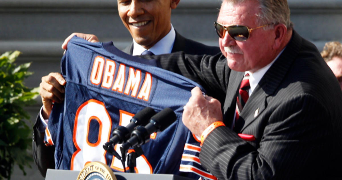 87f8e753f9f Obama welcomes 1985 Chicago Bears to White House - CBS News
