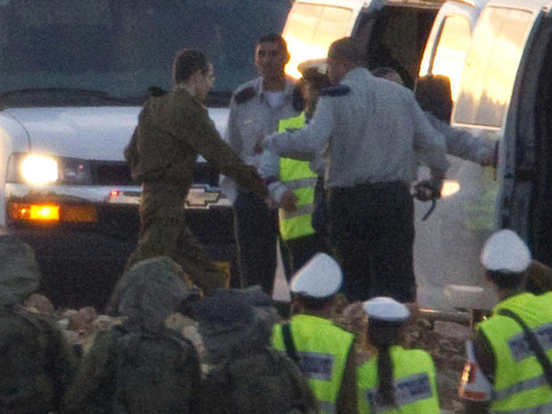 Gilad Shalit arrives near his home town