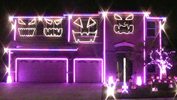 Another Halloween light show set to The Nightmare Before Christmas ...