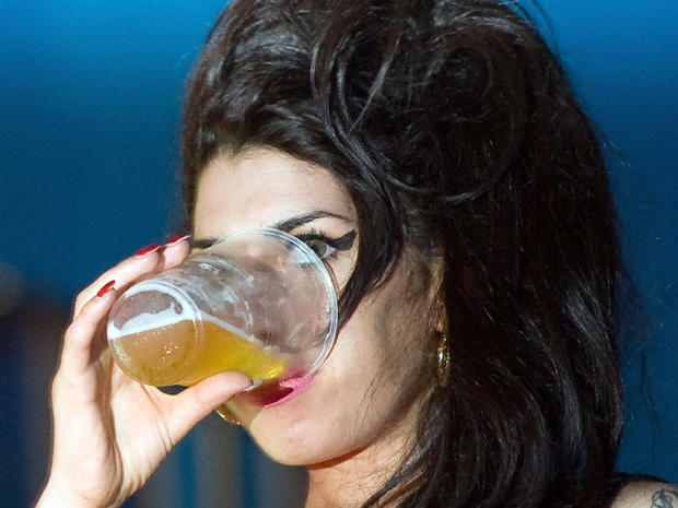 Amy Winehouse died from alcohol poisoning, says coroner