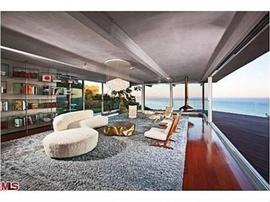 Ellen DeGeneres and Portia de Rossi's new kitchen in Brad Pitt's former home in Malibu