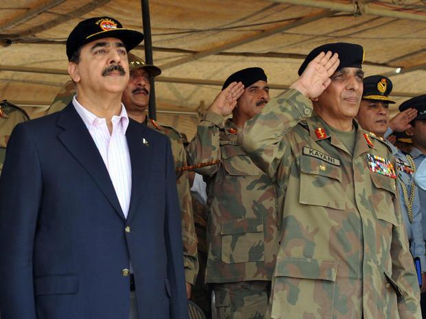 Pakistani Prime Minister Yousuf Raza Gilani and Pakistani Army Chief General Ashfaq Kayani