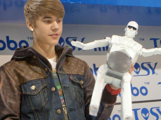 Justin-Bieber-CES-7525_640x480jpg.jpg