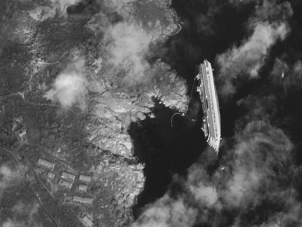 Costa Concordia aerial photo