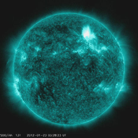 Solar flare - Spectacular solar storm reaches Earth