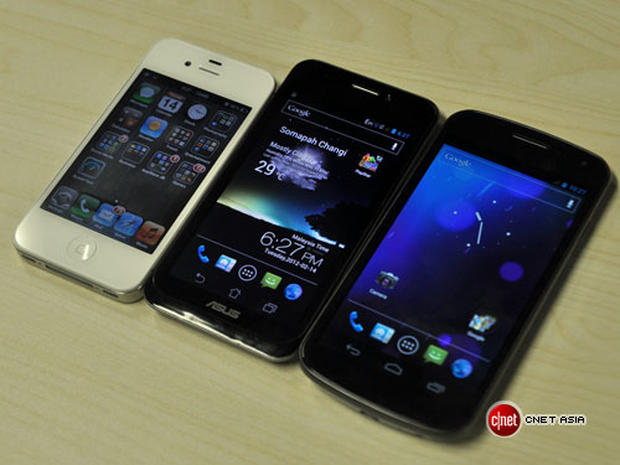 The Asus Padfone: Where no phone has gone before (photos)
