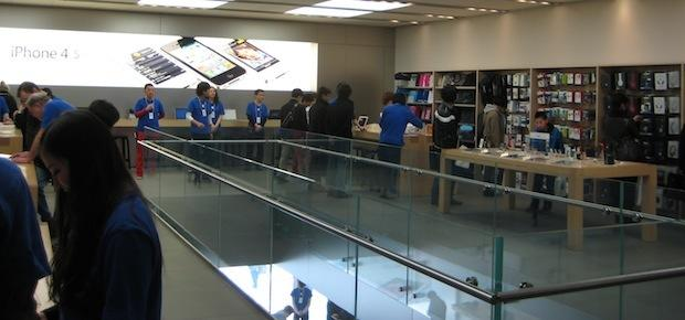 Japan_new_iPad_launch.jpg