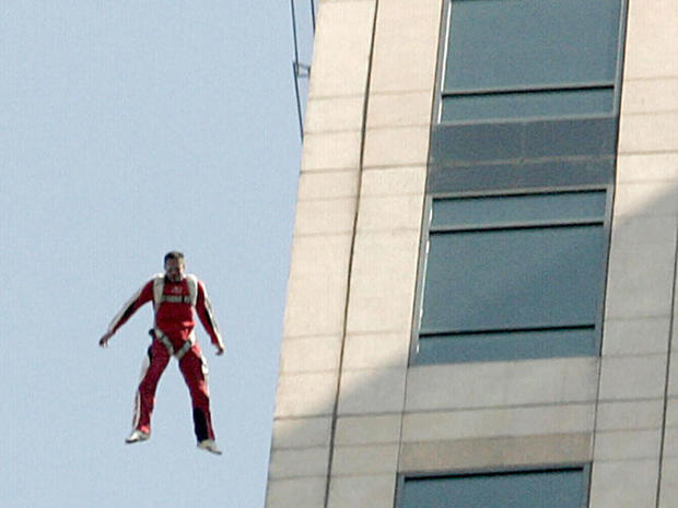 Skydiver aims to jump from 23 miles, go supersonic
