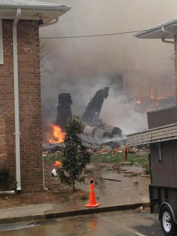 Navy fighter jet crashes into Va. apartment complex