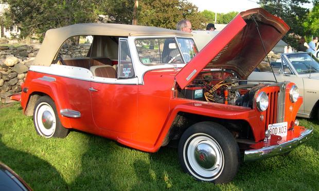 1948_Willys_Jeepster.jpg