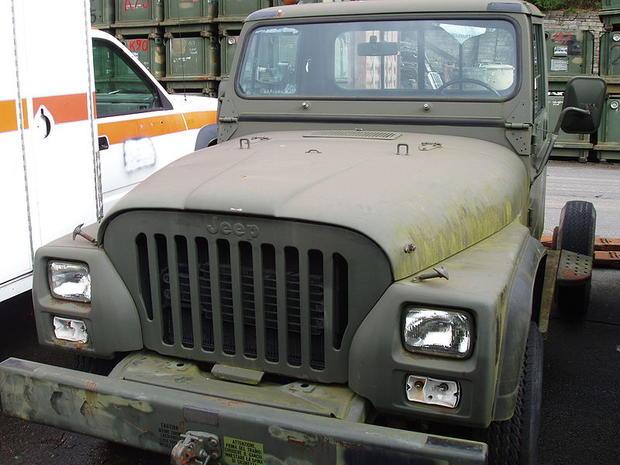 800px-Jeep_CJ10.JPG