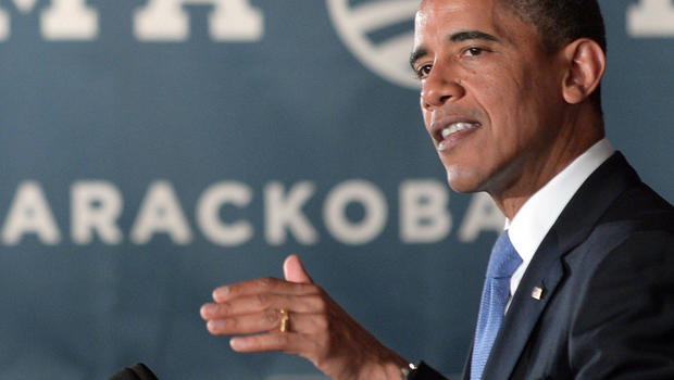 Obama stresses need for Wall Street regs, turns to Wall Street execs for campaign cash