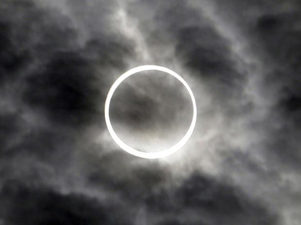 eclipse_AP1205210709.jpg