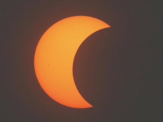 eclipse_AP1205210725.jpg