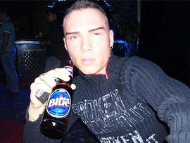 Luka Rocco Magnotta, suspect in dismember slay, left notes in body parts packages, say police