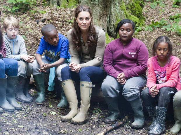 Kate goes camping with U.K. schoolchildren