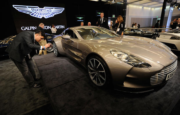 9 Aston Martin One 77 Top 10 Fastest Cars In The World Pictures