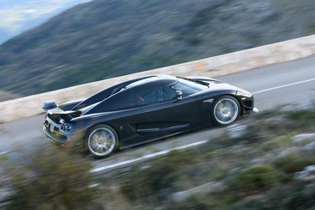 10  Lamborghini Aventador - Top 10 fastest cars in the world