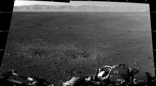 First full-resolution images from Curiosity Mars rover