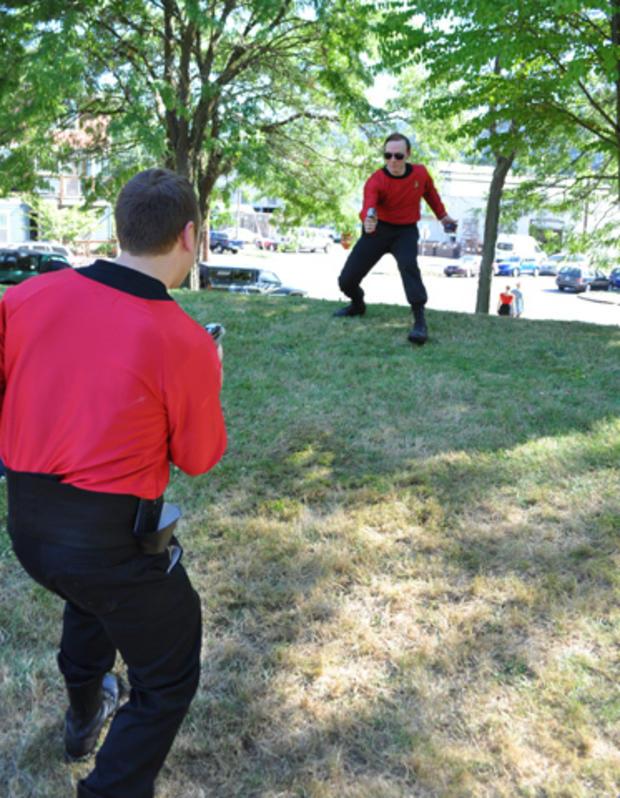 Trek_dueling_guards.jpg