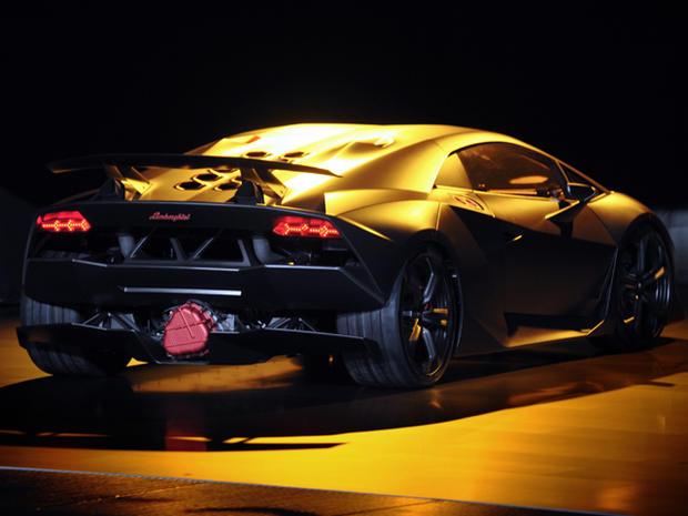 Lamborghini-Sesto-Elemento-rear.jpg