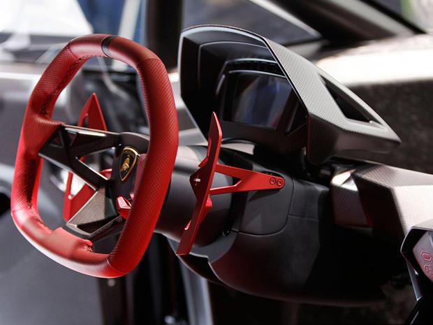 Lamborghini-Sesto-Elemento-steering-wheel.jpg